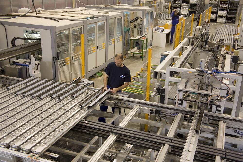 Fabrica ventanas materiales de construcci n para la for Ofertas de empleo en fabricas