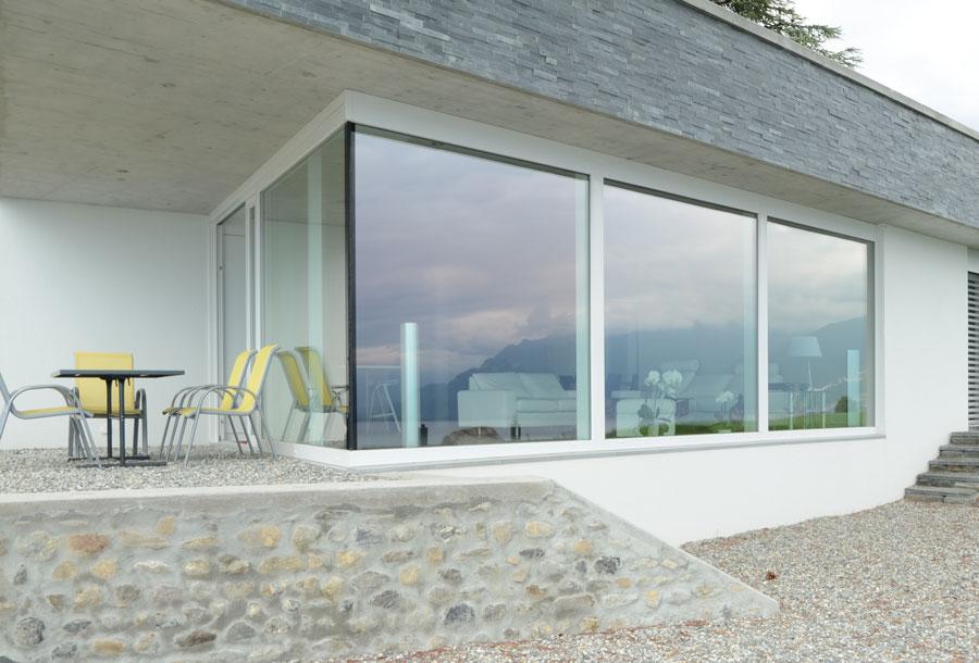 Renueva y mejora tu casa cambiando las ventanas - Porche de aluminio ...