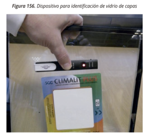 Dispositivo identificación vidrio capa